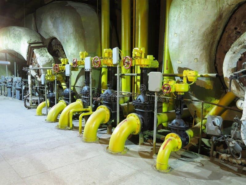 蒸汽锅炉、设备、管子和管热电厂, n 免版税库存照片
