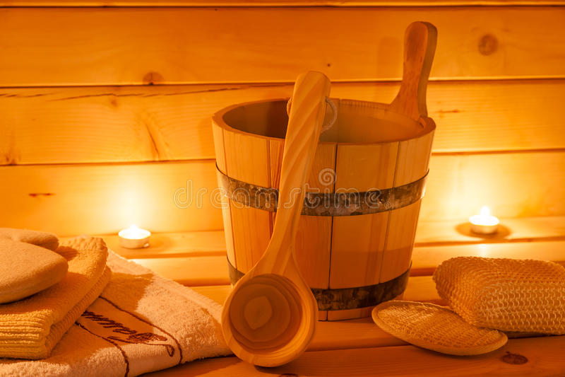 蒸汽浴内部和蒸汽浴辅助部件 免版税库存照片