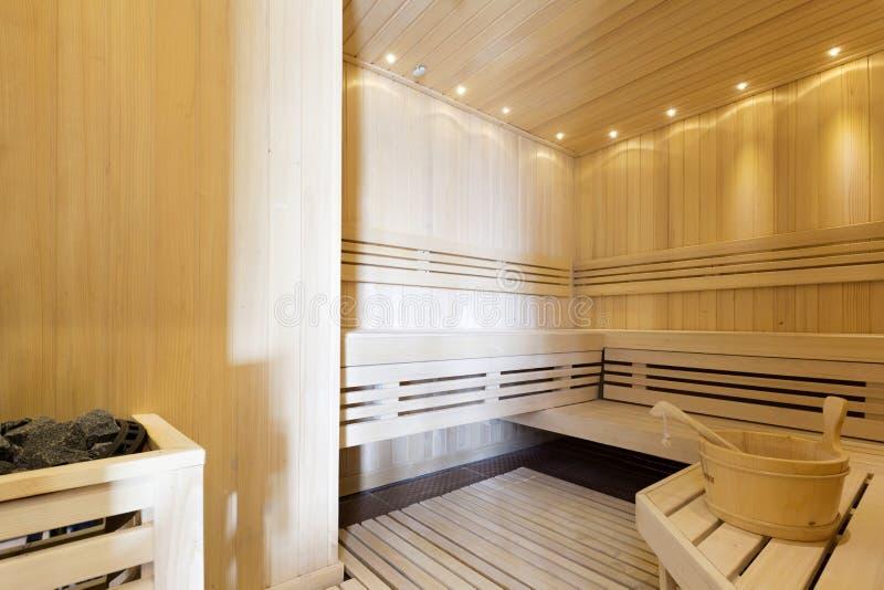 蒸汽浴内部在豪华温泉中心 免版税库存图片