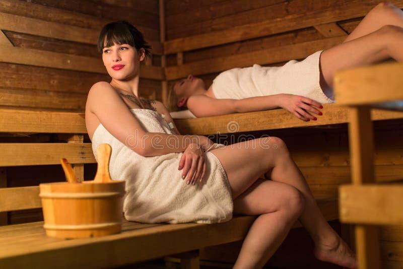 蒸汽浴的少妇 库存照片