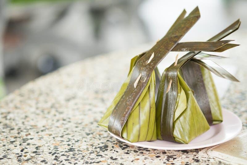 蒸的面粉用填装Kanom Sai Sai的椰子 免版税库存图片