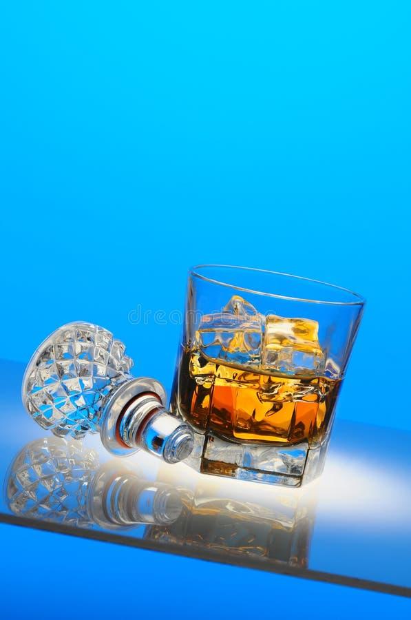 蒸馏瓶刻痕顶层 库存图片