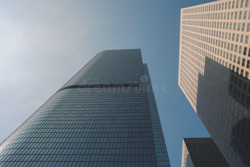 蓝天和高城市天空刮板 免版税库存图片