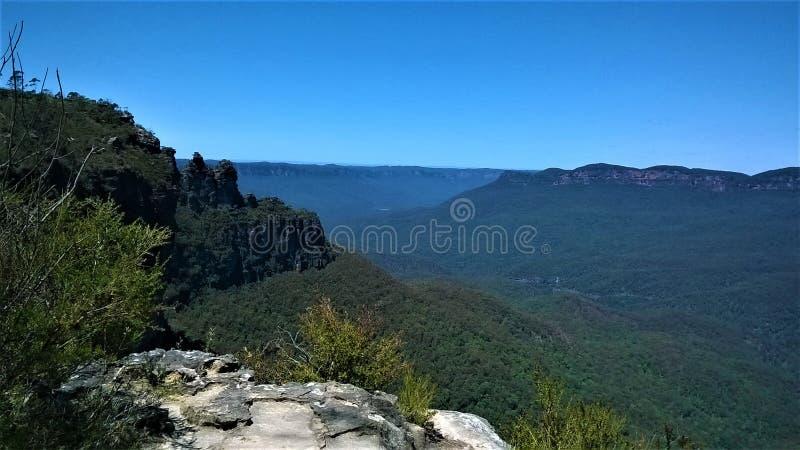 蓝山山脉三个姐妹在澳大利亚 免版税库存图片