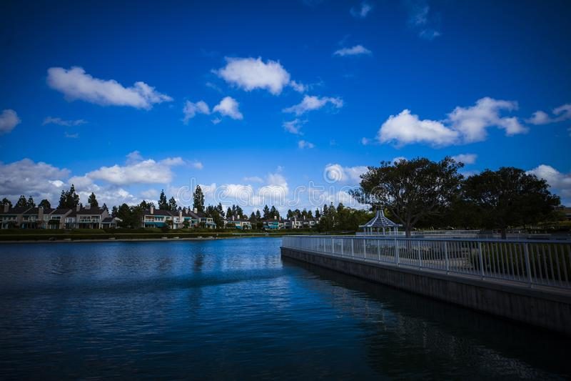 蓝湖在一愉快 免版税库存照片
