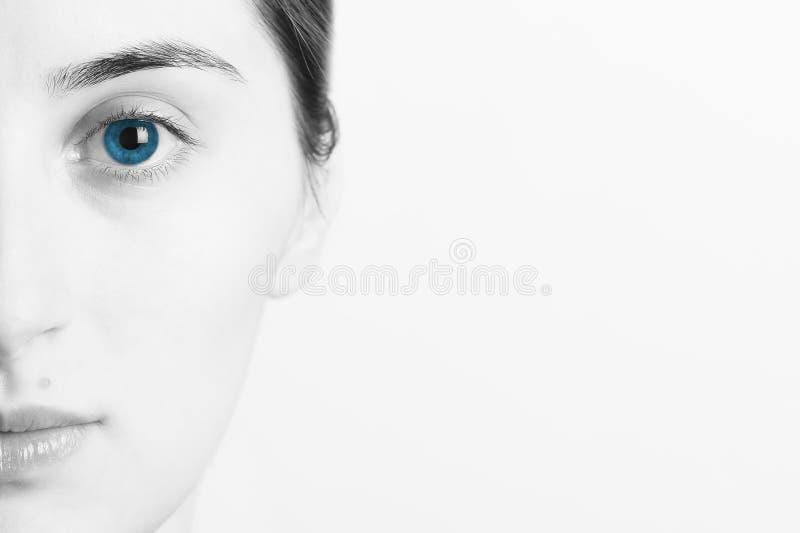 ——视频精选自优酷  分享者:大鱼用户9103121960克里斯,蓝眼睛,中国图片
