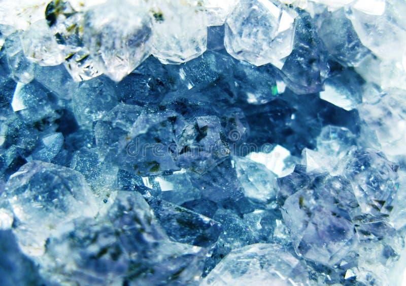 蓝绿色宝石水晶石英矿物地质背景 免版税库存照片