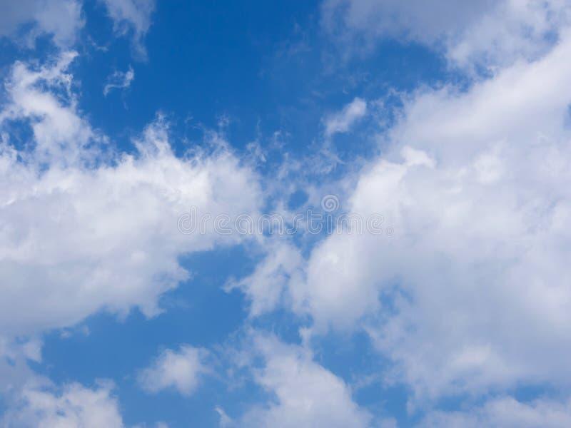 蓝色云彩天空白色 免版税库存图片