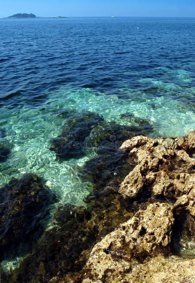 蓝色克罗地亚海运 库存图片