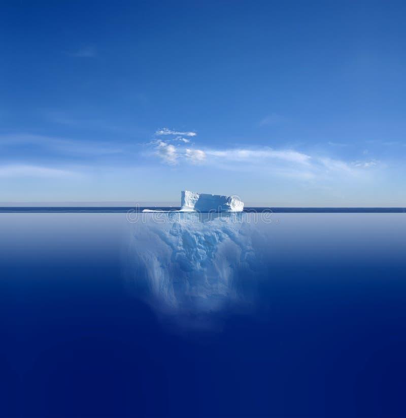 蓝色冰山 免版税图库摄影