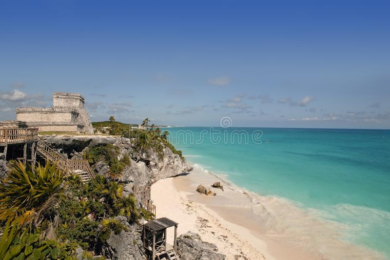 蓝色加勒比玛雅废墟tulum绿松石 库存图片