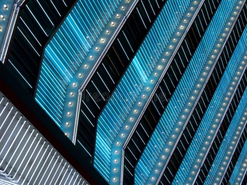 蓝色和空白霓虹大门罩光 免版税库存照片