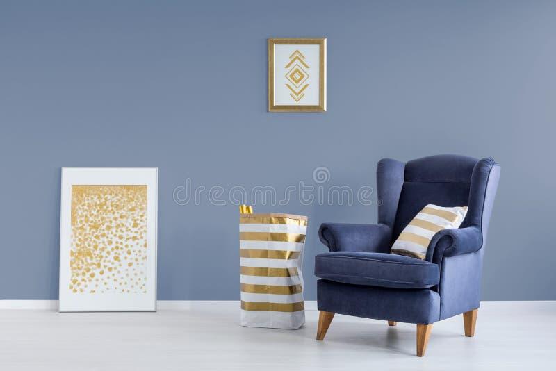 蓝色和金黄室 免版税库存照片