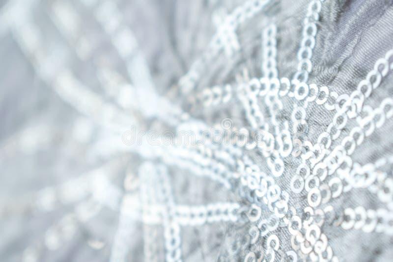 蓝色和银色结冰的雪冬天闪耀的星闪烁背景 假日,圣诞节,新年摘要纹理 金黄,浓缩 库存照片