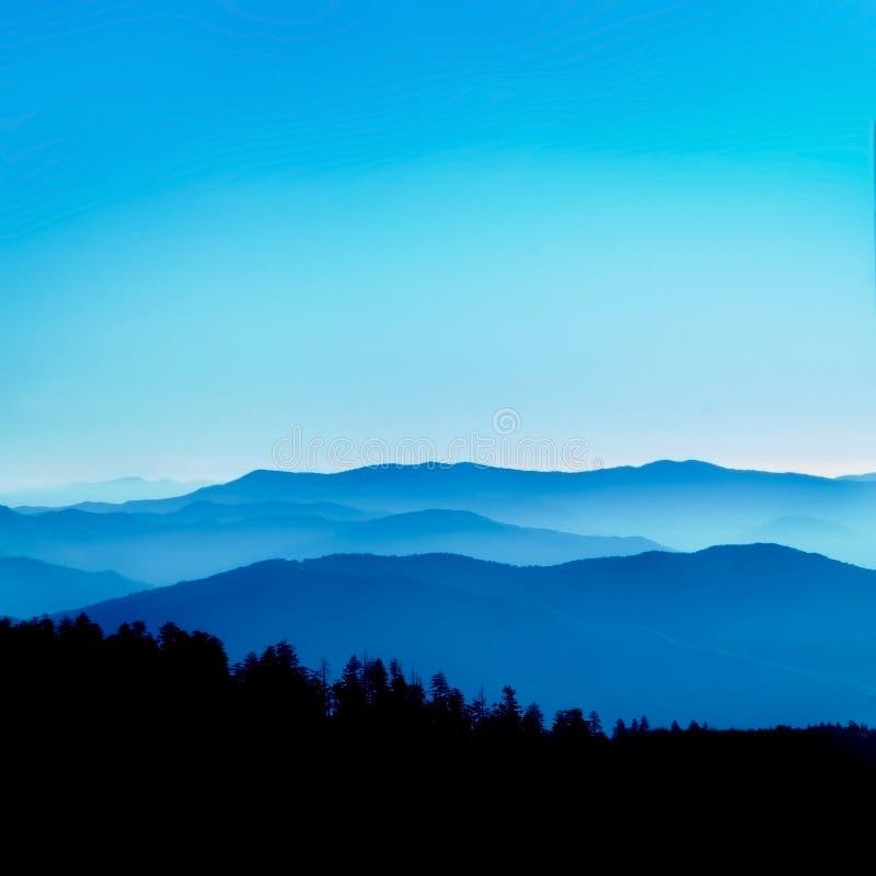 蓝色土坎远景 库存图片