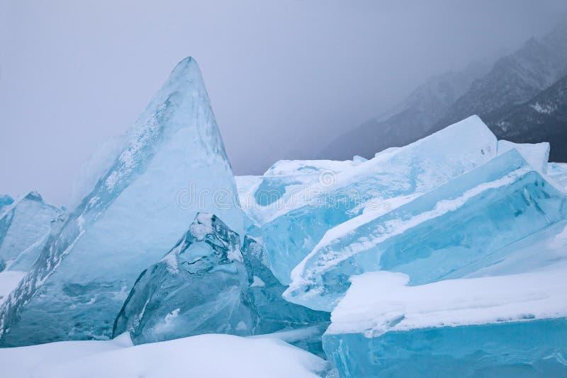 蓝色天然冰块  免版税库存图片