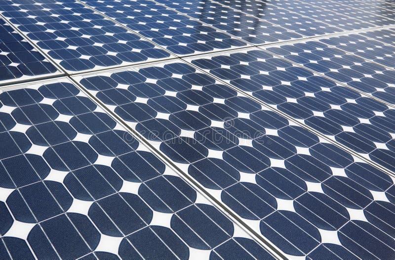 蓝色太阳电池板 免版税库存图片