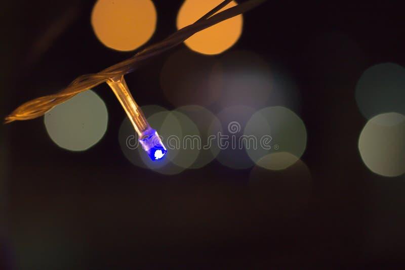 蓝色小L E D在漆黑的背景中独自发光 图库摄影