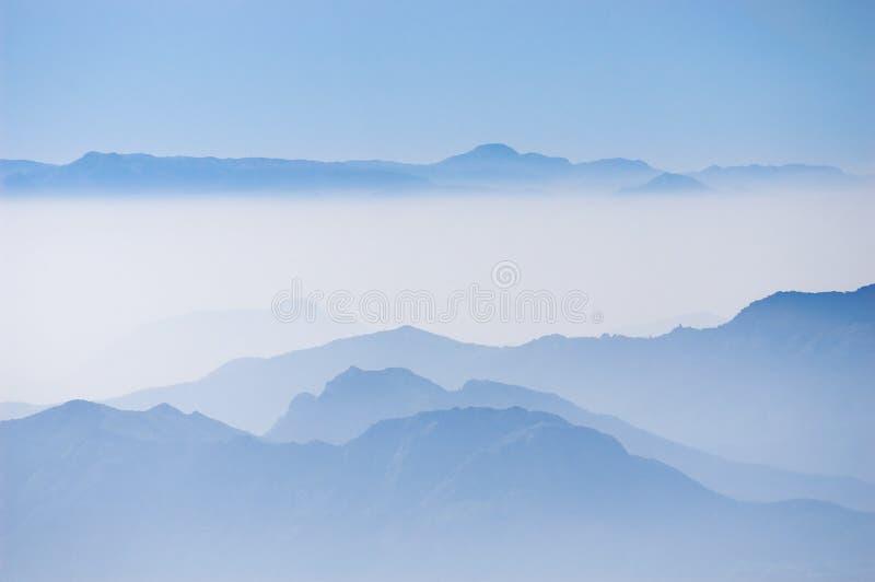 蓝色山nilgiri 免版税图库摄影