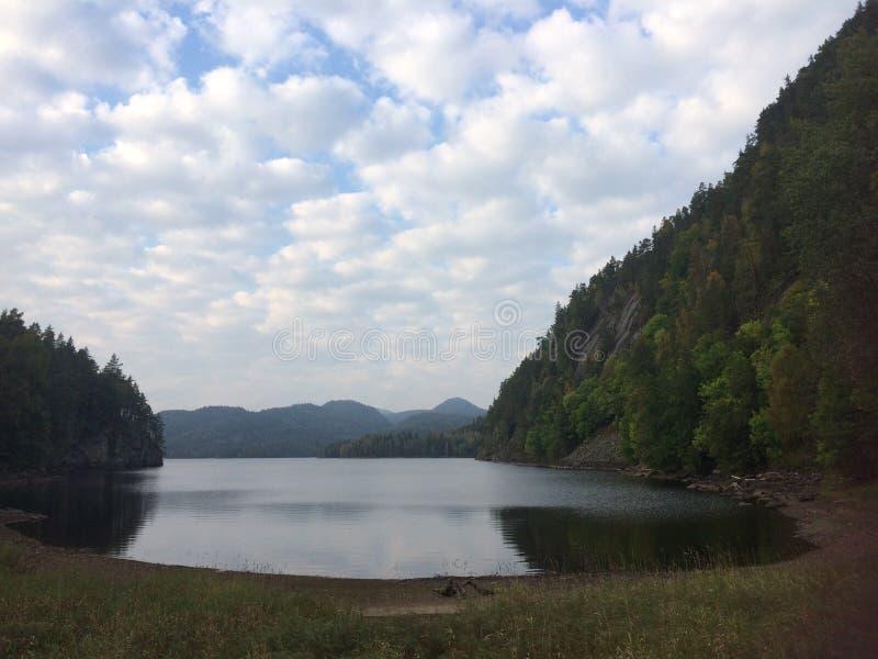 蓝色峡湾山本质挪威天空 免版税图库摄影