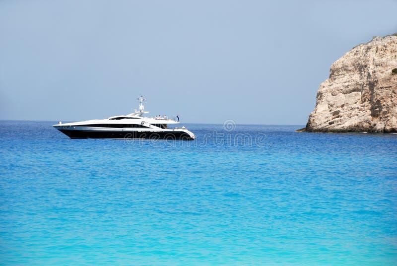 蓝色希腊海岛海运天空zakynthos 免版税库存图片