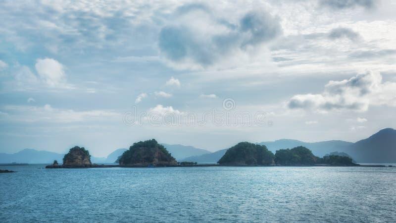 蓝色平静的海景 免版税库存照片