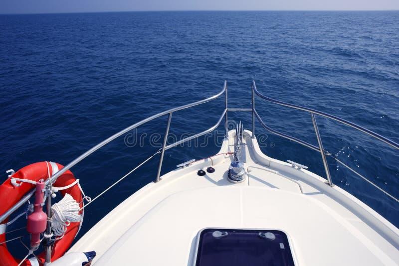 蓝色弓汽艇海洋海运视图游艇 图库摄影