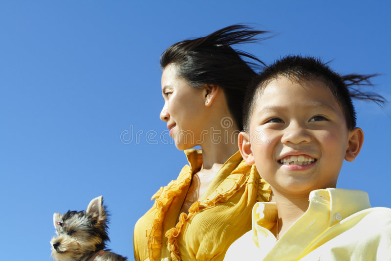蓝色母亲儿子 免版税库存照片