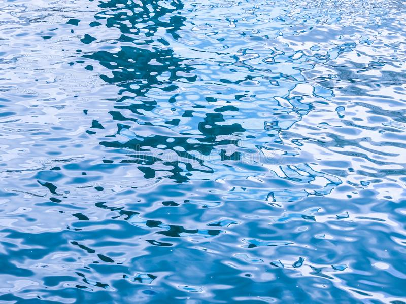 蓝色水面 免版税库存图片