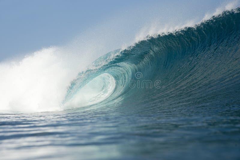 蓝色波浪打破 免版税图库摄影