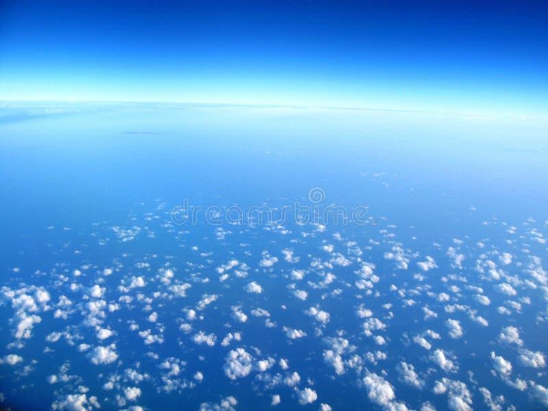 蓝色清楚的天空 免版税库存图片