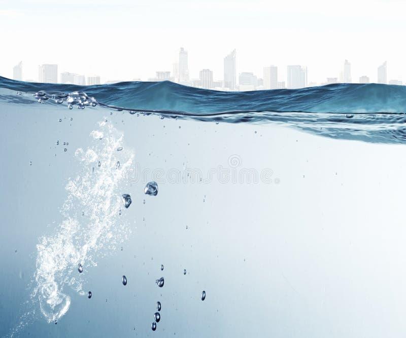 Download 蓝色清楚的水 库存照片. 图片 包括有 设计, 被围绕的, 本尼迪克特, 放光, 深深, 干净, 宁静, 下面 - 59105532