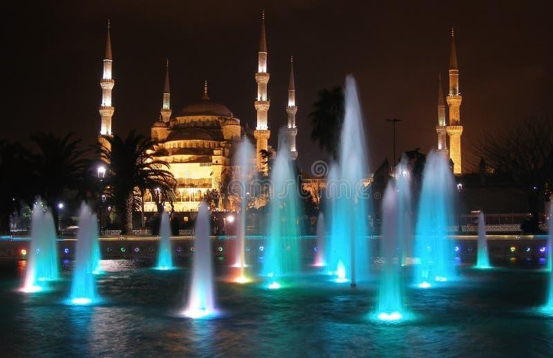 蓝色清真寺苏丹阿哈迈德清真寺和喷泉,伊斯坦布尔,土耳其 图库摄影