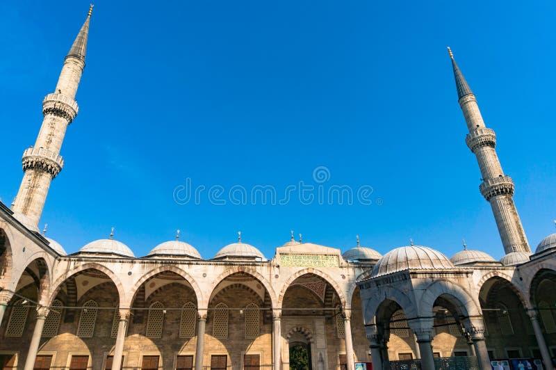 蓝色清真寺,有尖塔的Sultanahmed清真寺 库存照片
