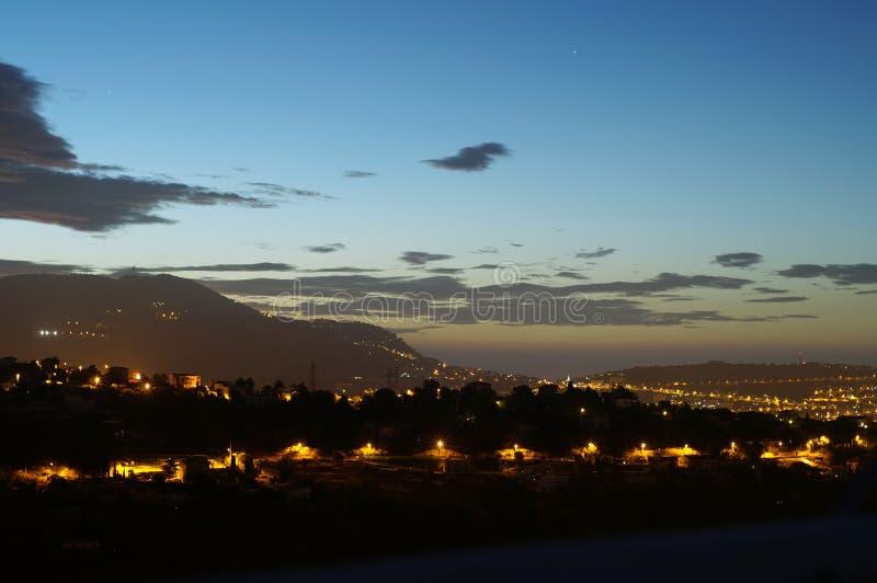 蓝色照明设备天空街道村庄 免版税库存图片