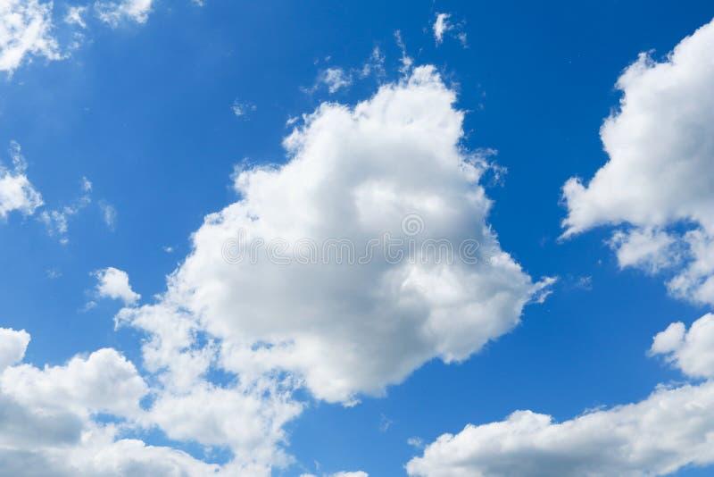 蓝色特写镜头云彩天空 免版税库存照片