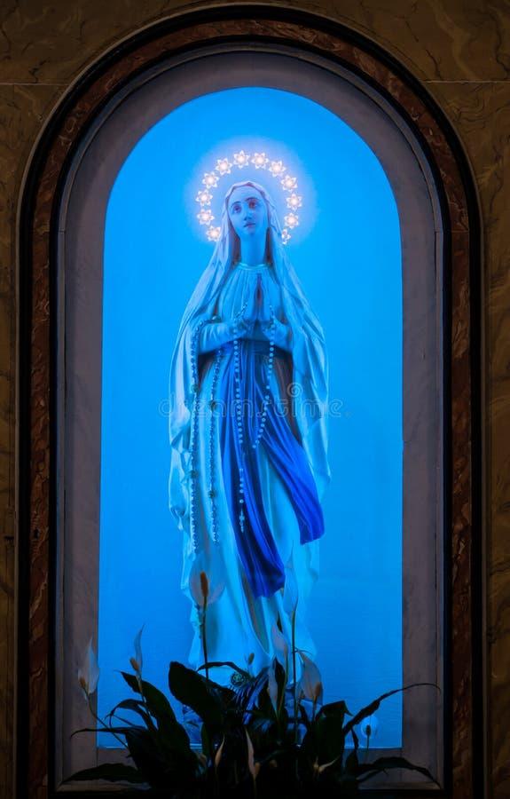 蓝色玛丹娜圣母玛丽亚寺庙 库存图片