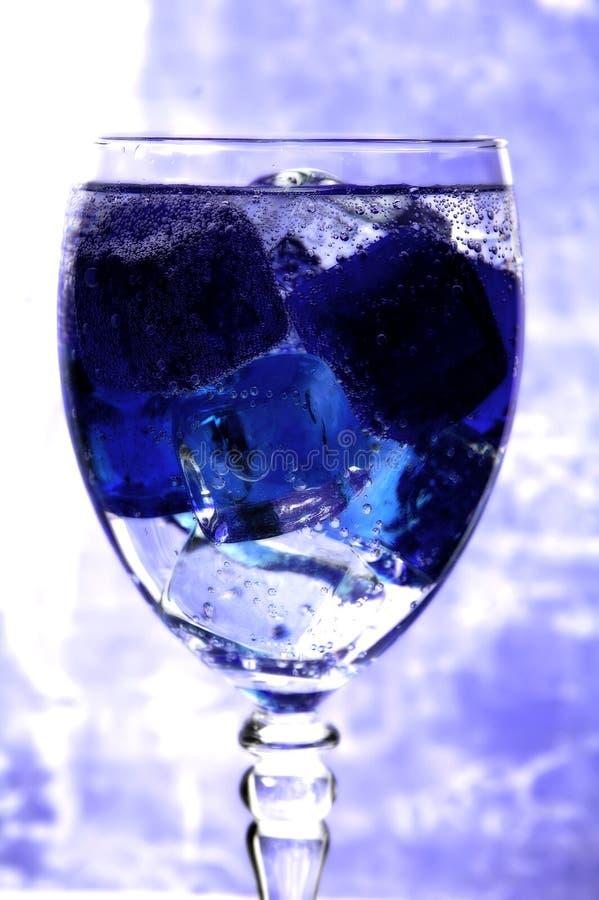 蓝色玻璃冰 免版税库存照片