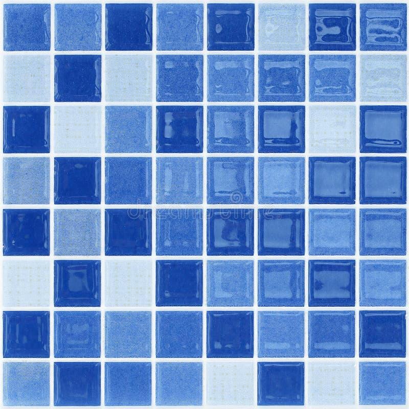 蓝色玻璃锦砖墙壁 免版税库存照片