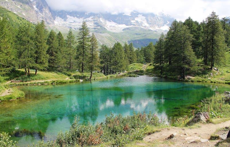 蓝色的Lago,布罗伊尔Cervinia,意大利 库存照片