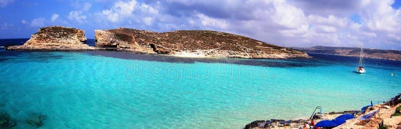 蓝色盐水湖海滩 免版税库存照片