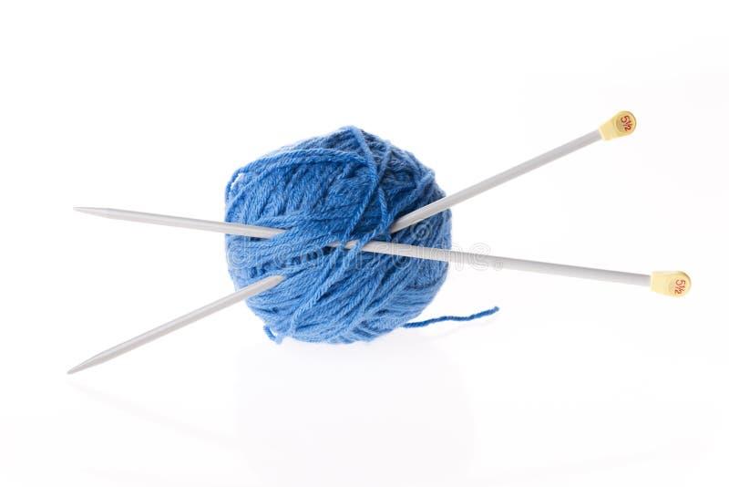 蓝色羊毛隔绝与轮幅 库存图片