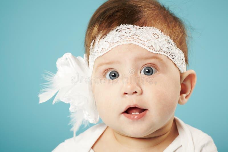 逗人喜爱的矮小的芭蕾舞女演员 免版税库存图片