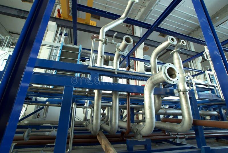 蓝色行业用管道输送口气管阀门 免版税库存图片