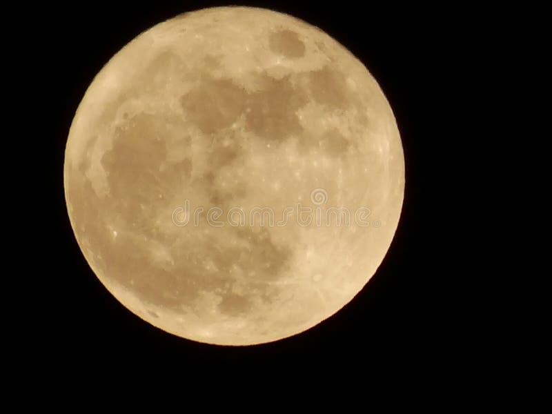 蓝色覆盖electropower热月亮早晨天空烟岗位白色 库存图片