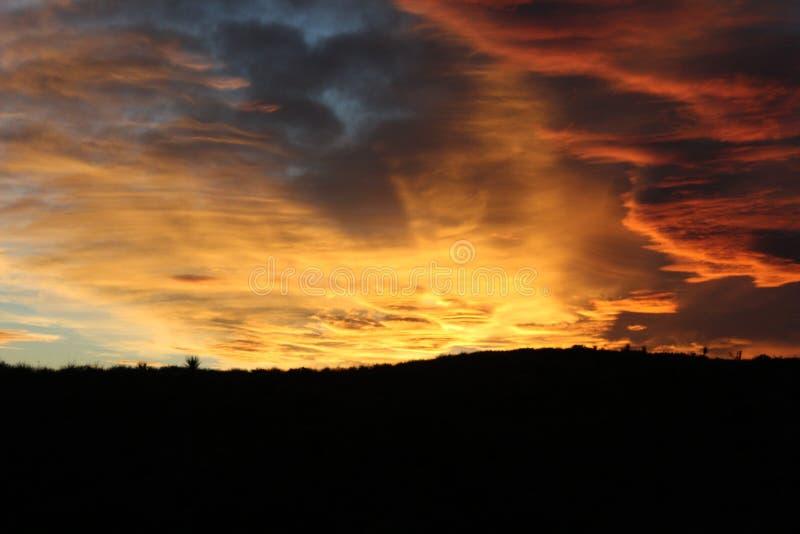蓝色酷寒北风在得克萨斯,在日落之前 库存图片