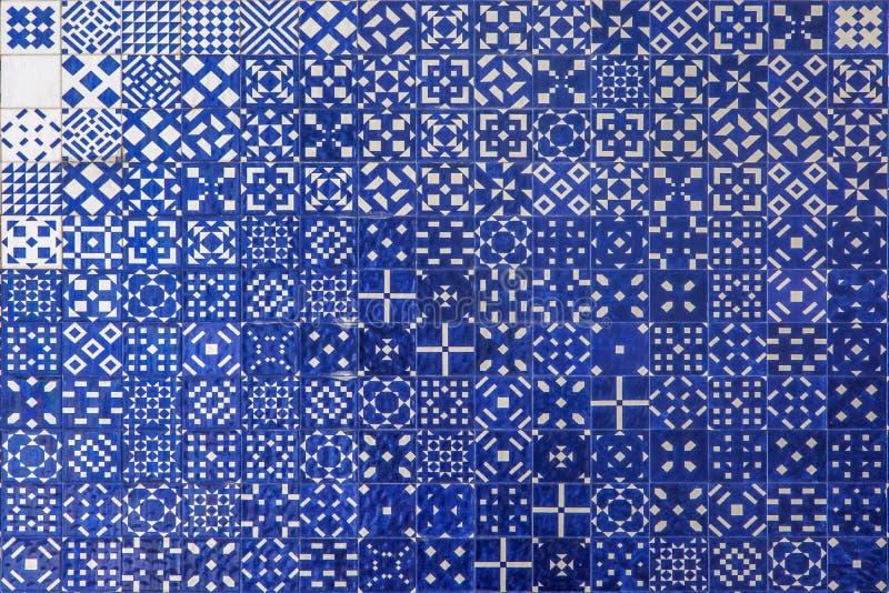 蓝色马赛克azulejo纹理在里斯本 库存照片