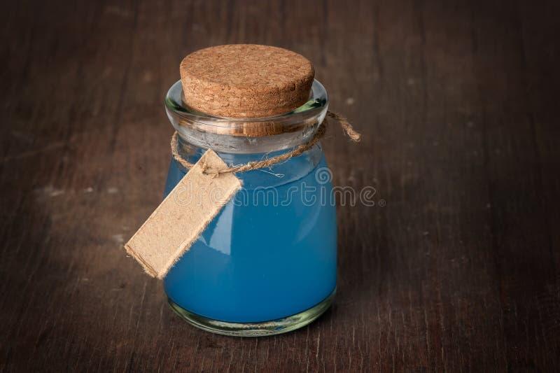 蓝色魔药 免版税图库摄影