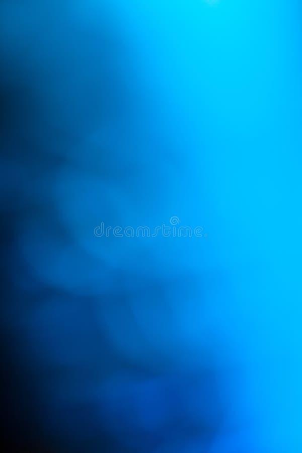蓝色黑暗的梯度。 皇族释放例证