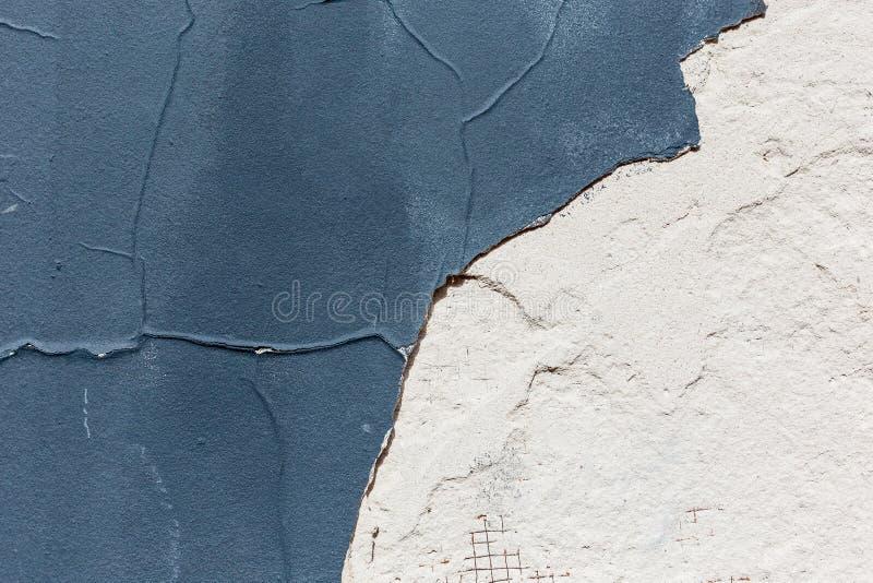 蓝色破旧的难看的东西墙壁 图库摄影